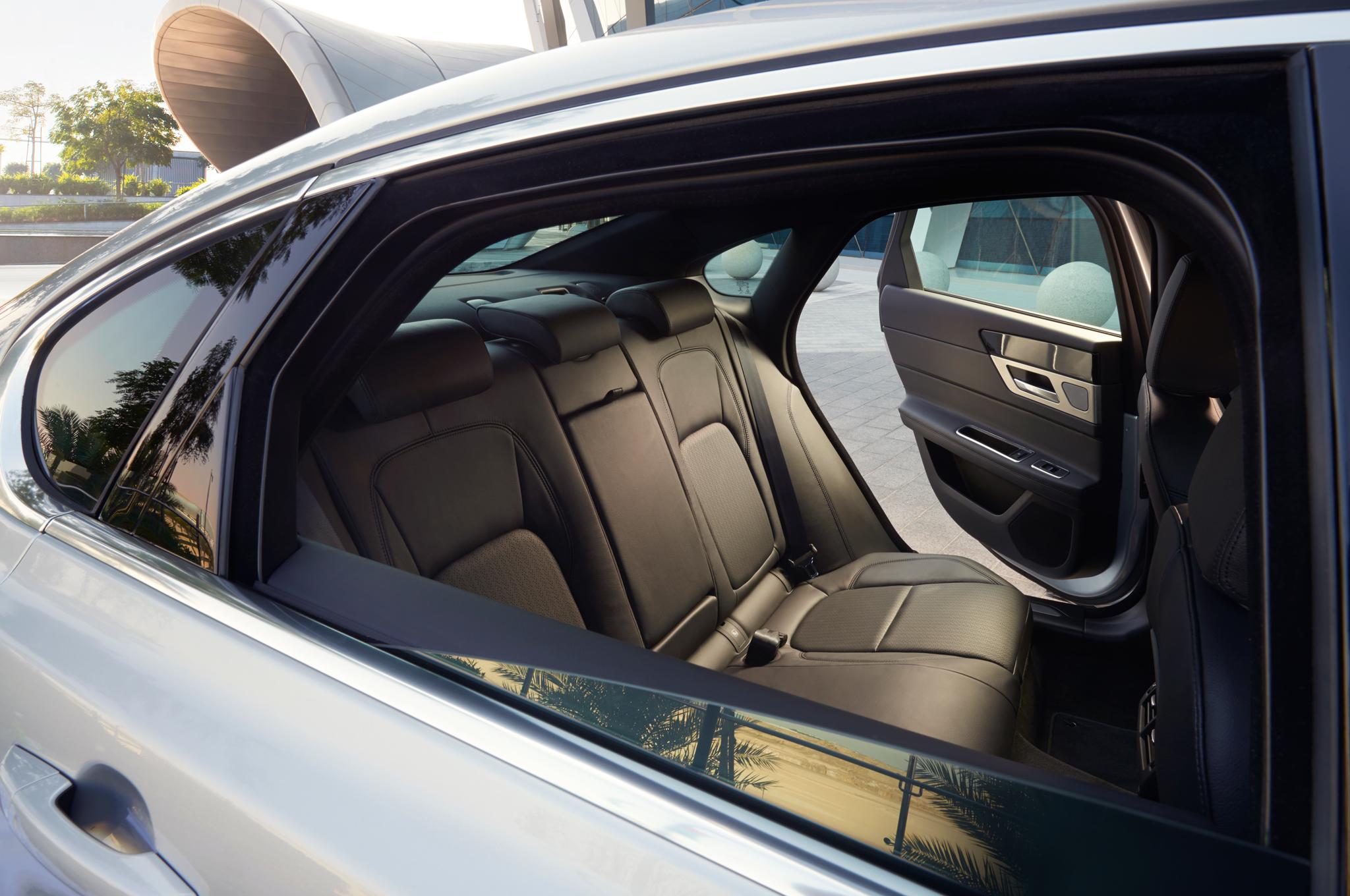 2016-jaguar-xf-prestige-rear-interior-seats