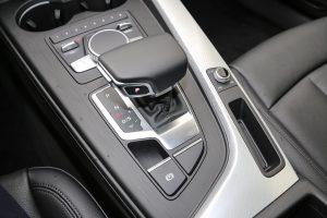 2017-audi-a4-with-standard-xenon-headlights-looks-boring_1