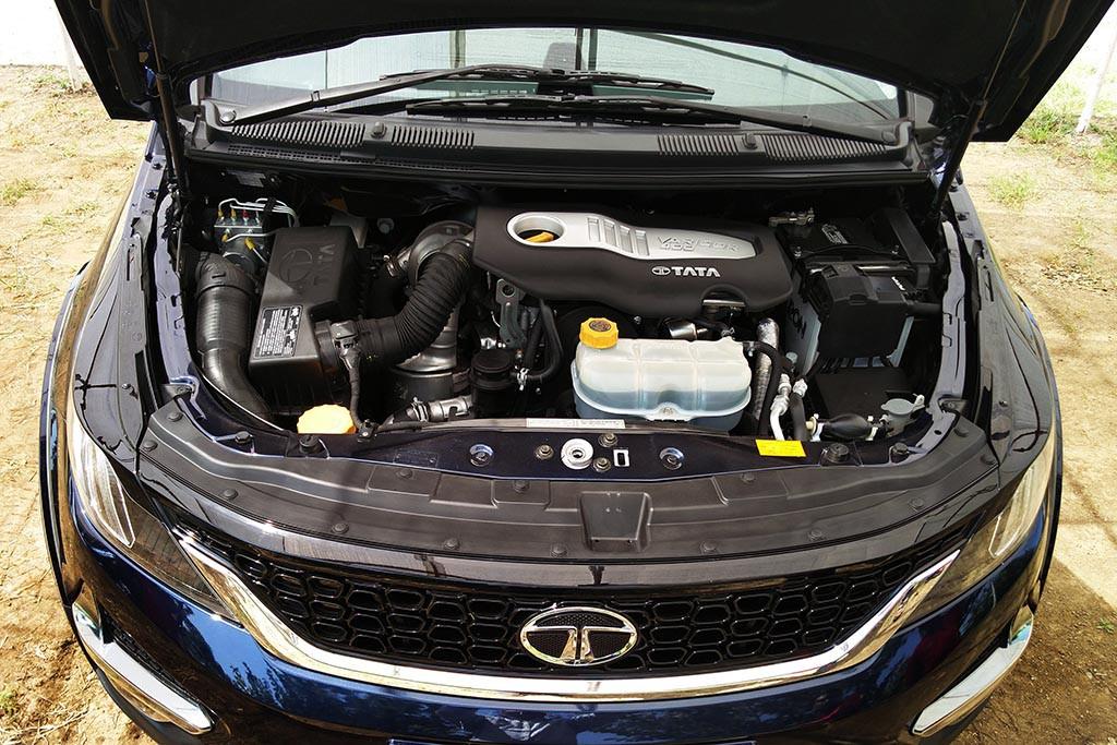 Tata-Motors-Hexa-_Engine-1024x683